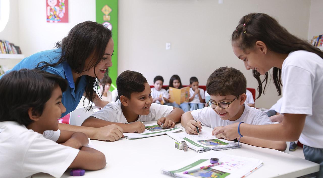 Ensino-Fundamental-Anos-Iniciais-leitura-escrita-e-apresentação-de novas-ideias.